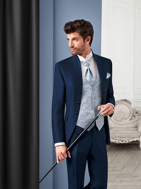 junger mann in elegantem anzug