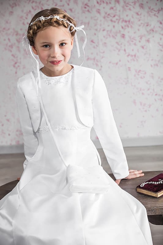 junges kind in eleganter kommunions mode vom haus der braut und gentleman 5